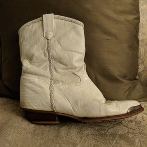 Vintage 80s off-white boots